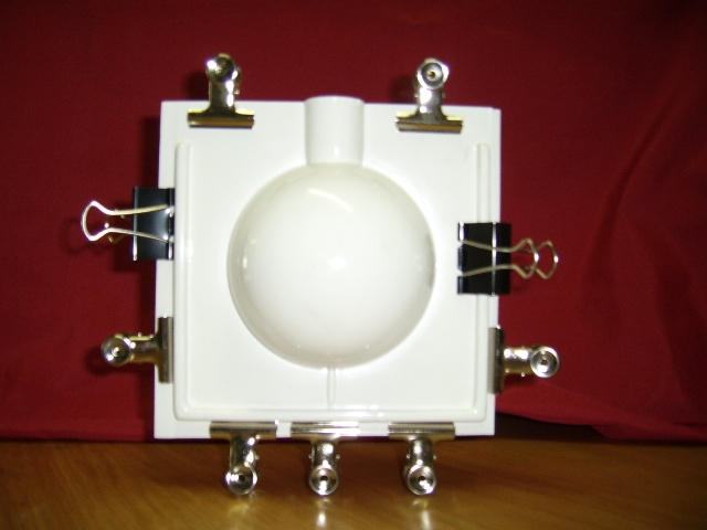 mould with clips