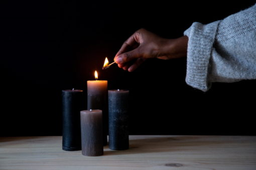 use Candle Deli's brown candle dye